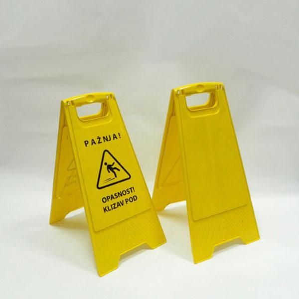 Table-upozorenja-Klizav-pod-slika
